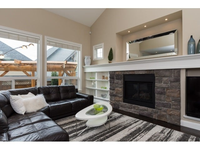 THE BC HOME HUNTER GROUP 604-767-6736 BCHOMEHUNTER.COM SOUTHSURREYHOMEHUNTER.COM